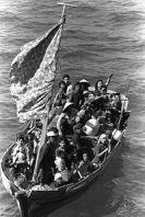 200px-35_Vietnamese_boat_people_2