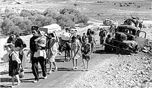 220px-Palestinian_refugees
