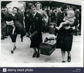 apr-04-1960-refugees-from-the-belgian-congo-arrive-in-brussels-the-E0RPEM