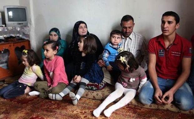 Syria_Refugees_AP_650_bigstry uruguay